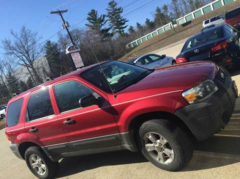 2005 Ford Escape for sale at Chris Nacos Auto Sales in Derry NH