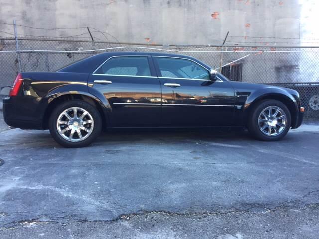 2007 Chrysler 300 C 4dr Sedan - Baltimore MD