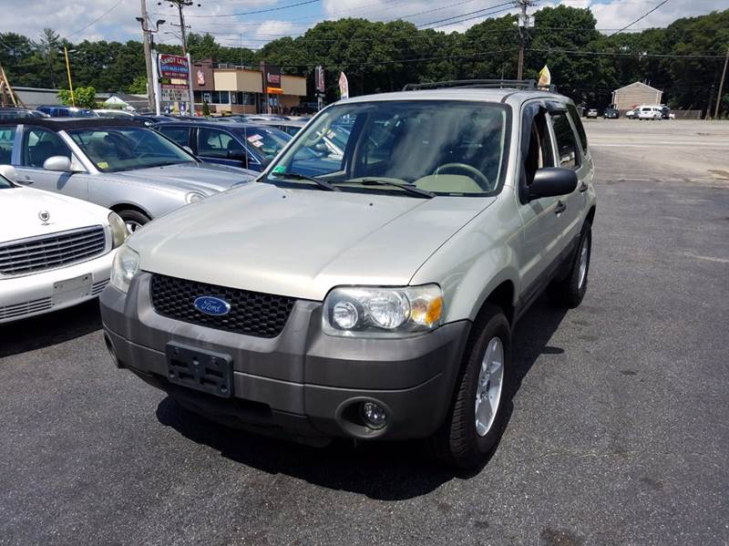 Ford Escape XLT AWD Dr SUV In Warwick RI Sandy Lane Auto - 2005 escape