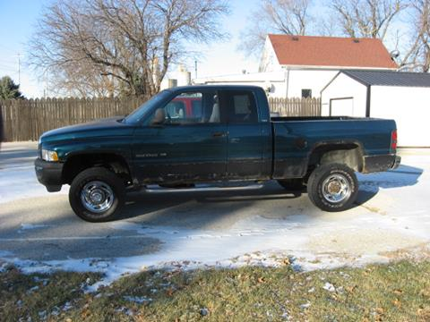 1999 Dodge Ram Pickup 2500 for sale in Perry, IA