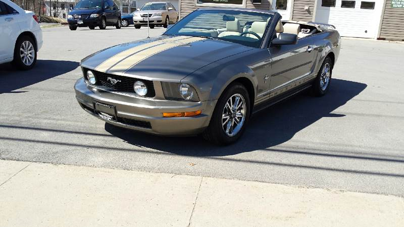 2005 Ford Mustang Deluxe 2dr Convertible - Massena NY
