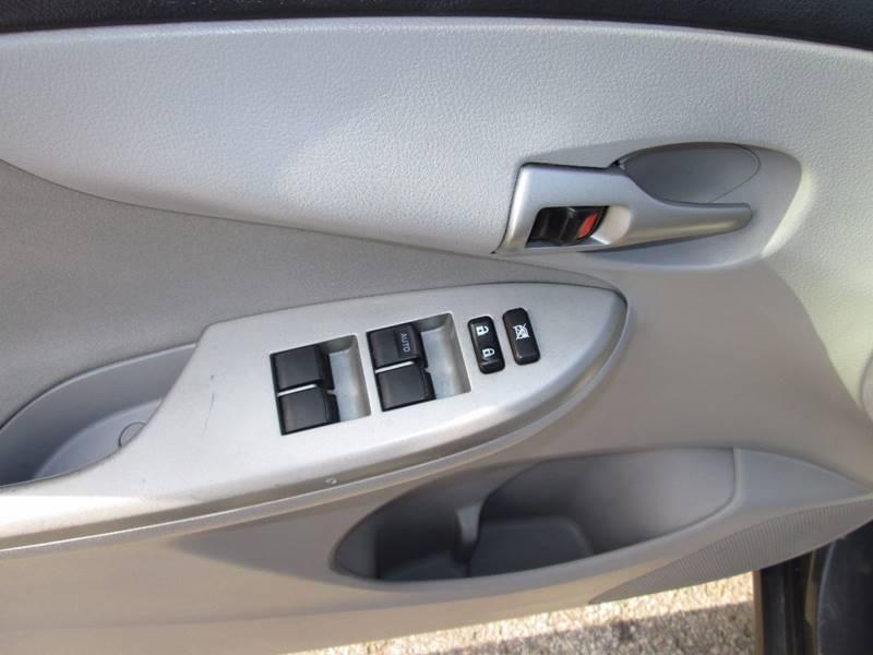 2013 Toyota Corolla LE 4dr Sedan 4A - Penn Hills PA