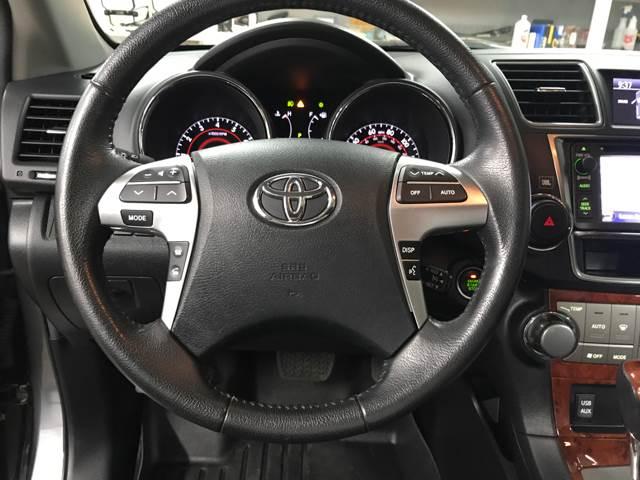 2013 Toyota Highlander for sale at Mulder Auto Sales in Portage MI