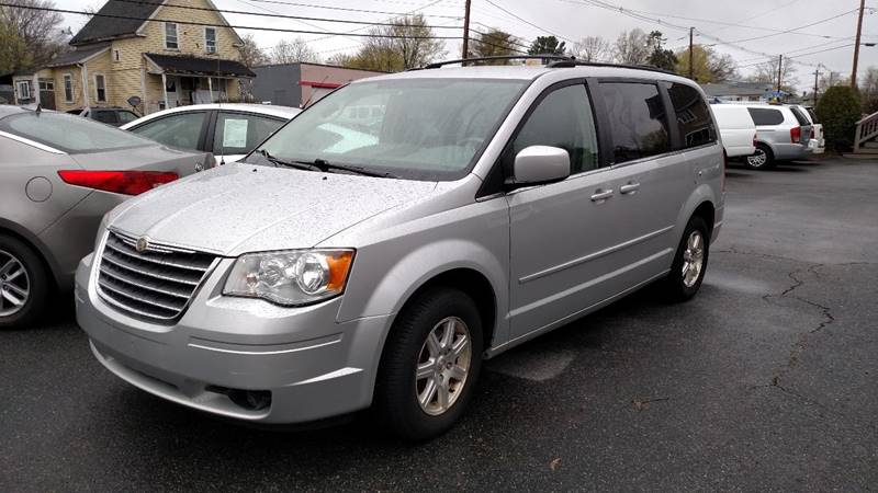 2008 Chrysler Town and Country Touring 4dr Mini-Van - Ashland MA
