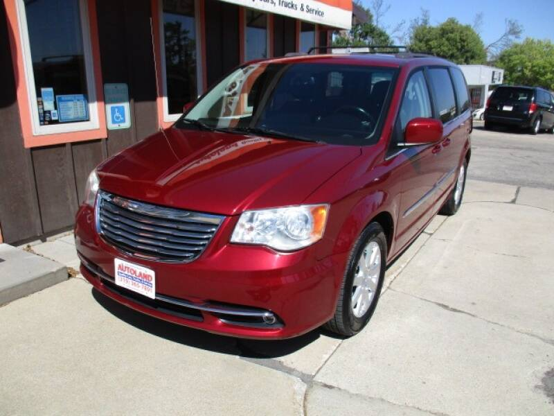 2015 Chrysler Town and Country for sale at Autoland in Cedar Rapids IA