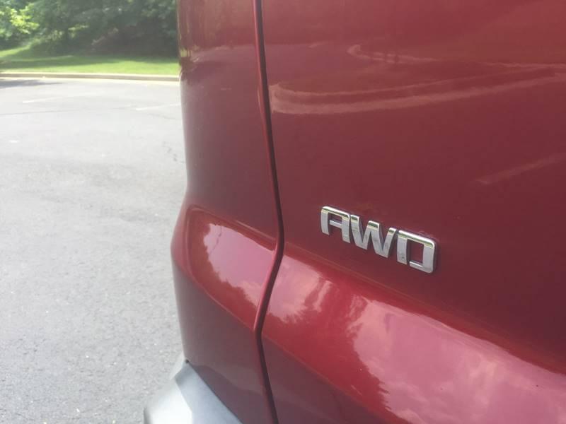 2011 Chevrolet Traverse AWD LT 4dr SUV w/1LT - Charlottesville VA
