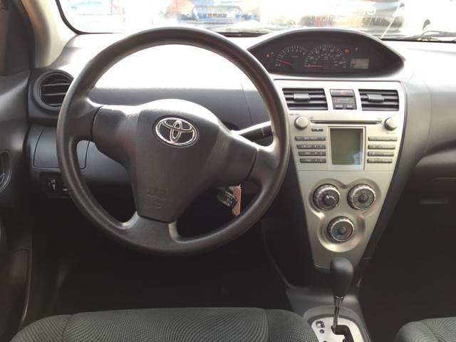 2009 Toyota Yaris 4dr Sedan 4A - Fort Wayne IN
