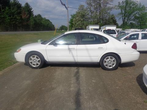 2005 Ford Taurus for sale at Upstate Auto Sales Inc. in Pittstown NY