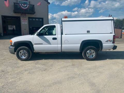 2005 GMC Sierra 2500HD for sale at Upstate Auto Sales Inc. in Pittstown NY