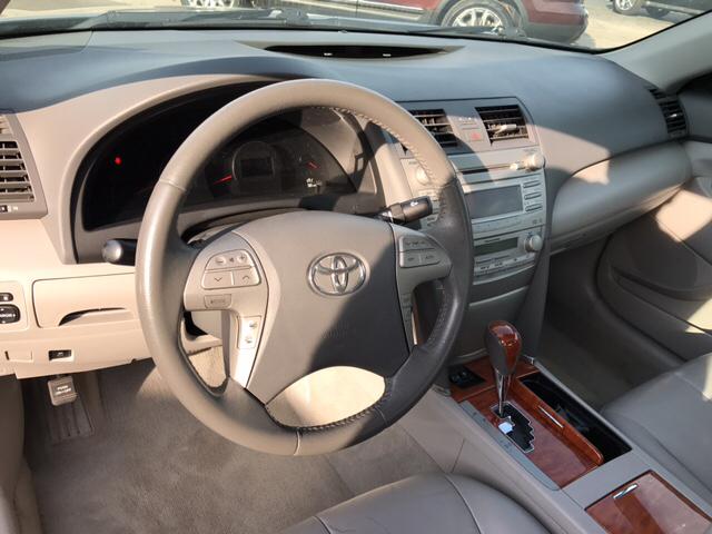 2011 Toyota Camry XLE 4dr Sedan 6A - Franklin IN