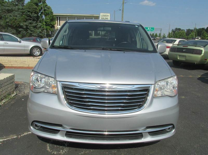 2011 Chrysler Town and Country Touring 4dr Mini Van - Charlotte NC