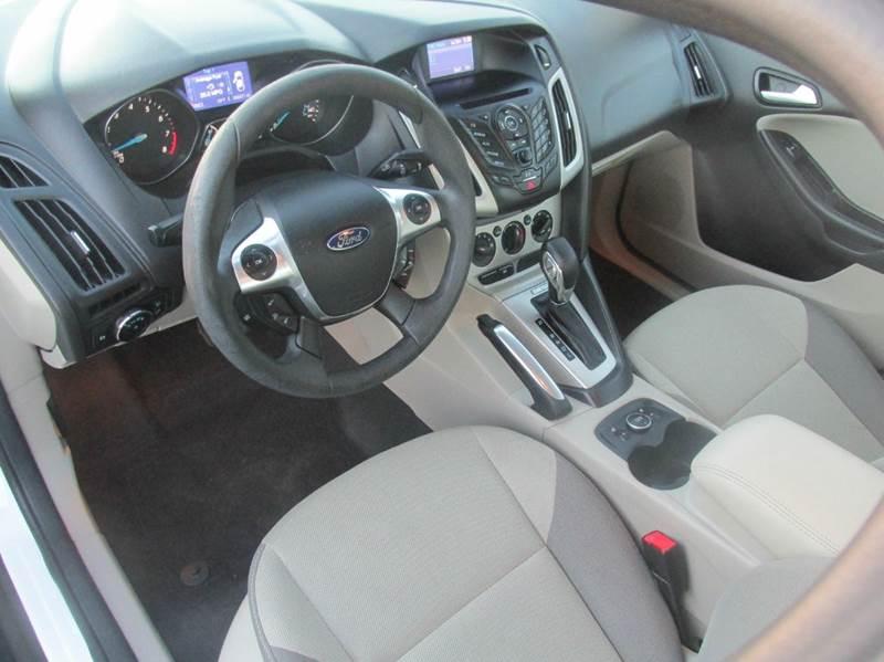 2013 Ford Focus SE 4dr Sedan - Charlotte NC