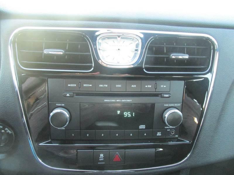 2014 Chrysler 200 LX 4dr Sedan - Charlotte NC