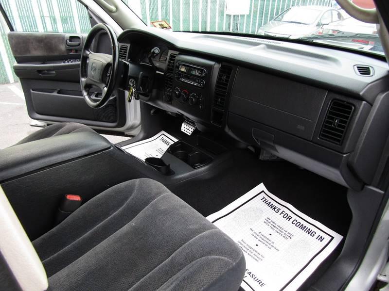2002 Dodge Dakota for sale at The Auto Network in Lodi NJ