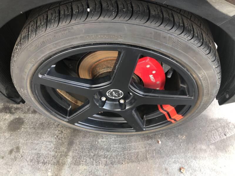 2016 Hyundai Veloster 3dr Coupe 6M w/Black Seats - Tampa FL
