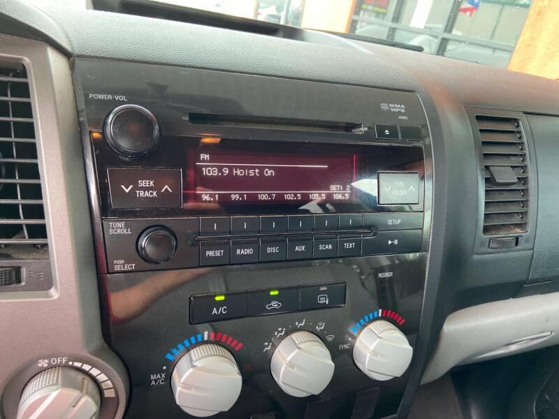2011 Toyota Tundra 4x4 Grade 4dr Double Cab Pickup SB (4.6L V8) - Tampa FL