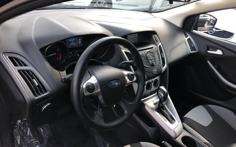2012 Ford Focus SE 4dr Hatchback - Tampa FL
