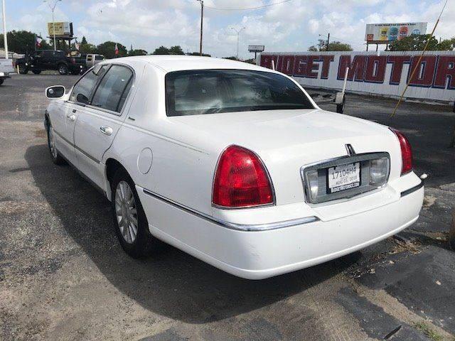 2003 Lincoln Town Car Executive 4dr Sedan In Corpus Christi Tx