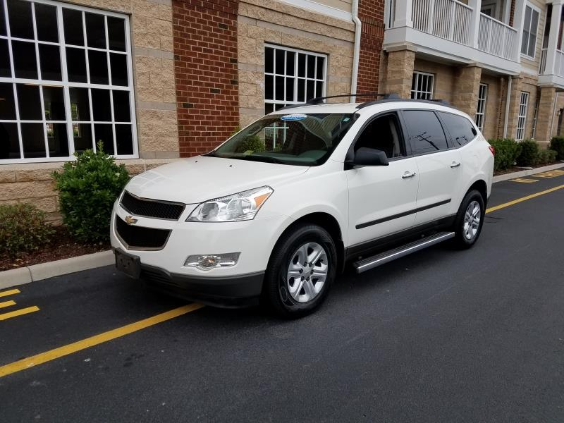 cars for sale / 2012 Chevrolet Traverse LS 4dr SUV /