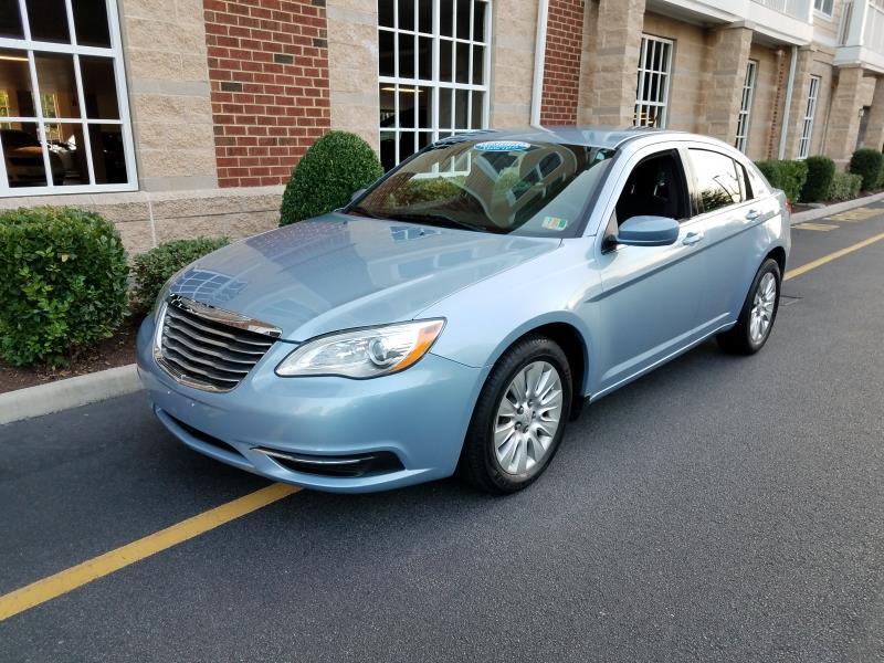 cars for sale / 2014 Chrysler 200 LX 4dr Sedan /