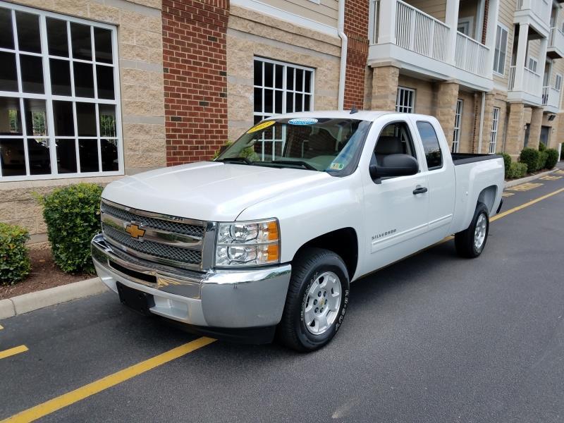 cars for sale / 2013 Chevrolet Silverado 1500 LT EXT. CAB 2WD /