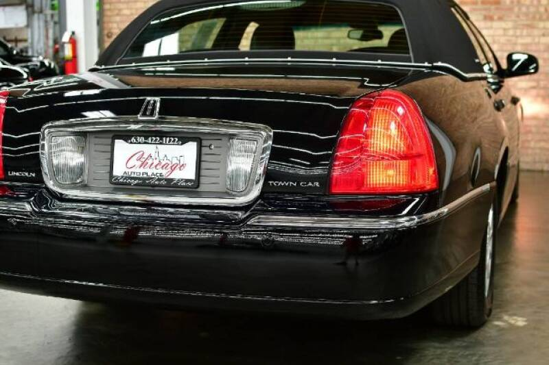 2004 Lincoln Town Car Signature 4dr Sedan - Bensenville IL