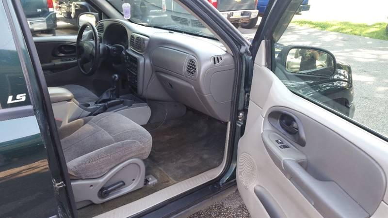 2004 Chevrolet TrailBlazer EXT LS 4WD 4dr SUV - Erie PA
