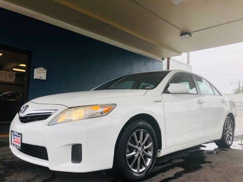 2010 Toyota Camry Hybrid for sale at Trimax Auto Group in Norfolk VA