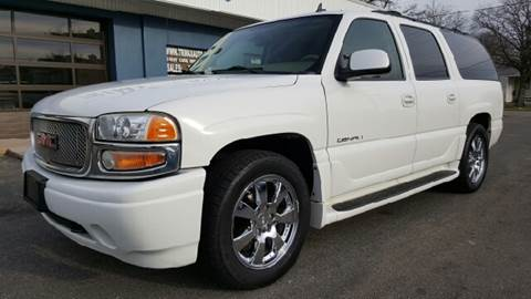 2006 GMC Yukon XL for sale at Trimax Auto Group in Norfolk VA