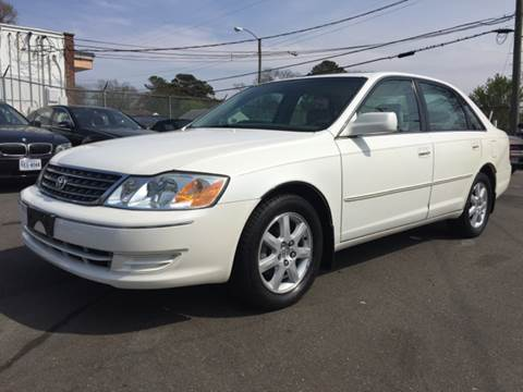 2004 Toyota Avalon for sale at Trimax Auto Group in Norfolk VA