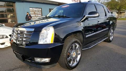 2007 Cadillac Escalade EXT for sale at Trimax Auto Group in Norfolk VA