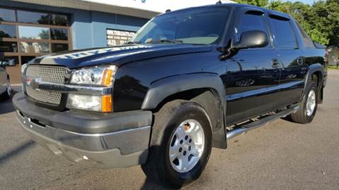 2004 Chevrolet Avalanche for sale at Trimax Auto Group in Norfolk VA