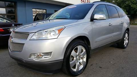 2009 Chevrolet Traverse for sale at Trimax Auto Group in Norfolk VA