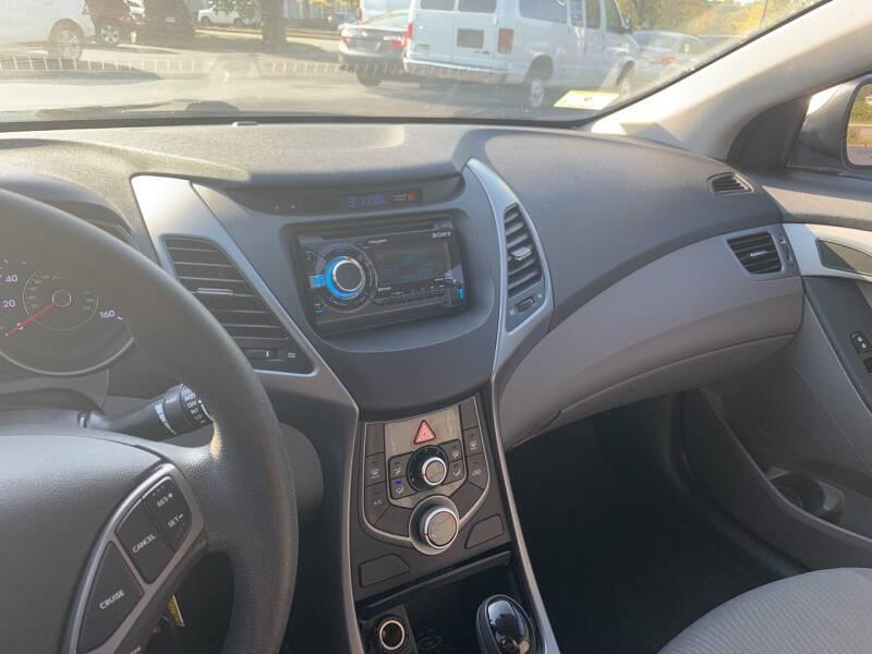2015 Hyundai Elantra Limited 4dr Sedan - North Andover MA
