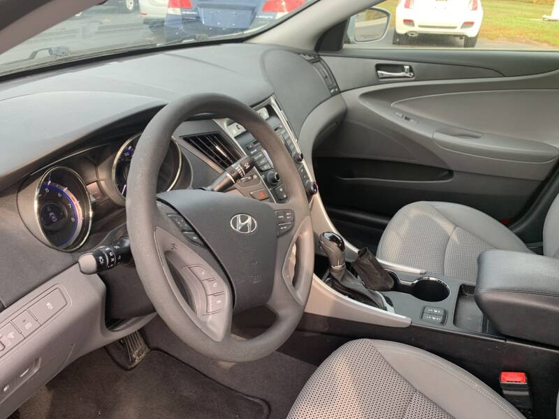2013 Hyundai Sonata GLS 4dr Sedan - North Andover MA