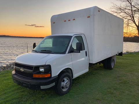2004 Chevrolet Express Cutaway for sale in Westport, MA