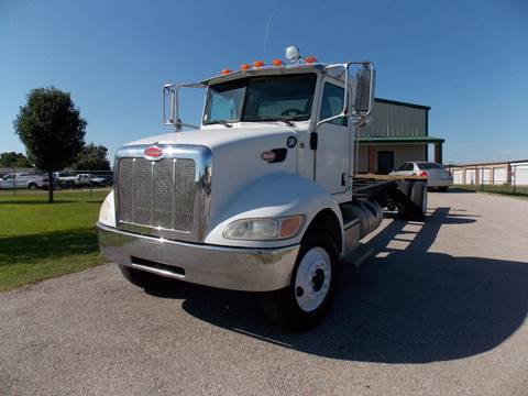 2008 Peterbilt 335 for sale in Royse City, TX