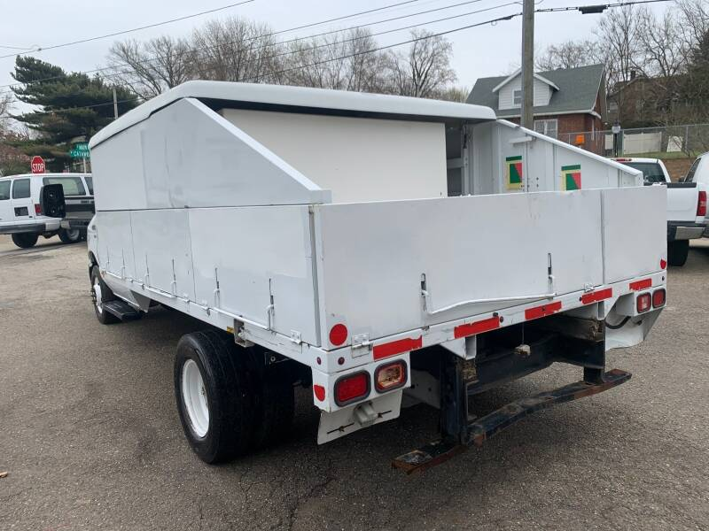 2011 Ford E-Series Chassis E-450 SD 2dr Commercial/Cutaway/Chassis 158-176 in. WB - Akron OH