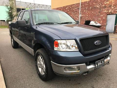 2004 Ford F-150 for sale at MAGIC AUTO SALES in Little Ferry NJ