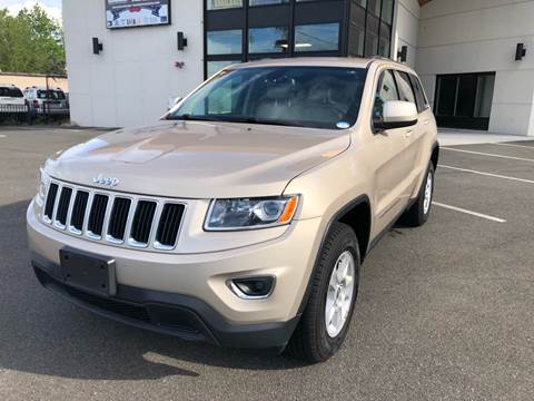 2015 Jeep Grand Cherokee for sale at MAGIC AUTO SALES in Little Ferry NJ