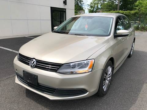 2014 Volkswagen Jetta for sale at MAGIC AUTO SALES in Little Ferry NJ