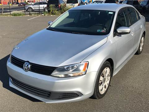 2011 Volkswagen Jetta for sale at MAGIC AUTO SALES in Little Ferry NJ