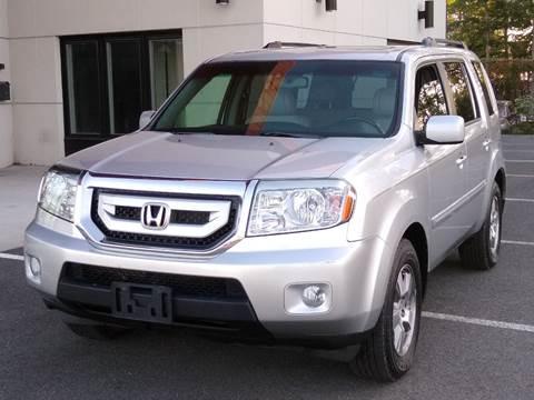 2010 Honda Pilot for sale at MAGIC AUTO SALES in Little Ferry NJ