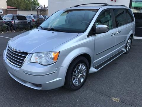 2008 Chrysler Town and Country for sale in Little Ferry, NJ