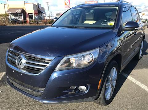 2011 Volkswagen Tiguan for sale at MAGIC AUTO SALES in Little Ferry NJ