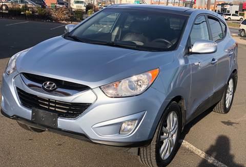 2013 Hyundai Tucson for sale at MAGIC AUTO SALES in Little Ferry NJ