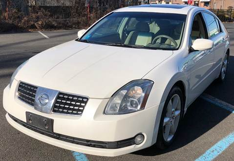 2005 Nissan Maxima for sale at MAGIC AUTO SALES in Little Ferry NJ