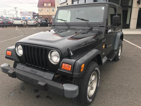 2000 Jeep Wrangler for sale at MAGIC AUTO SALES in Little Ferry NJ