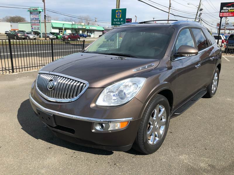 2009 Buick Enclave for sale at MAGIC AUTO SALES in Little Ferry NJ