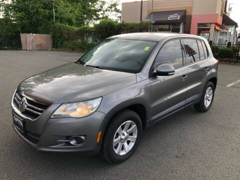 2010 Volkswagen Tiguan for sale at MAGIC AUTO SALES in Little Ferry NJ